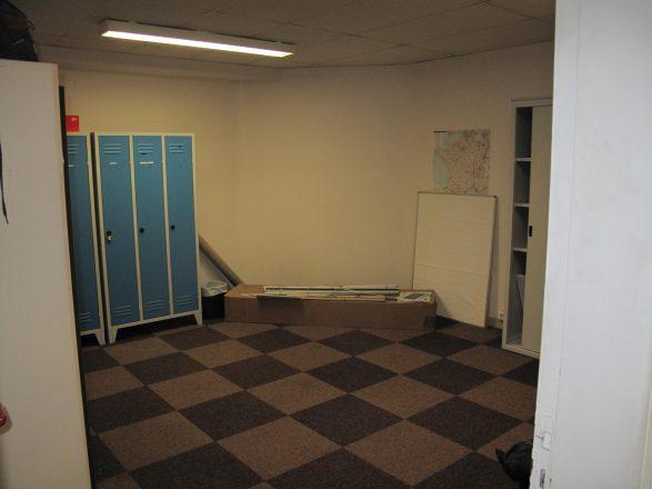 IMG_3985 bâtiment 2, vestiaire